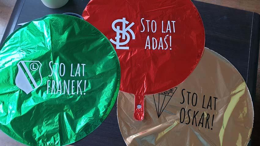 balony foliowe z nadrukami klubów sportowych i życzeniami