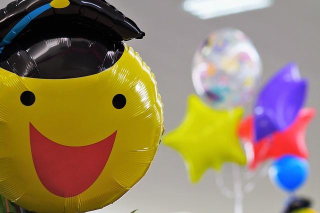 Akcesoria do balonów foliowych – co może się przydać?